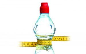 رژیم آب درمانی چیست و آیا واقعاً به کاهش وزن کمک می کند؟