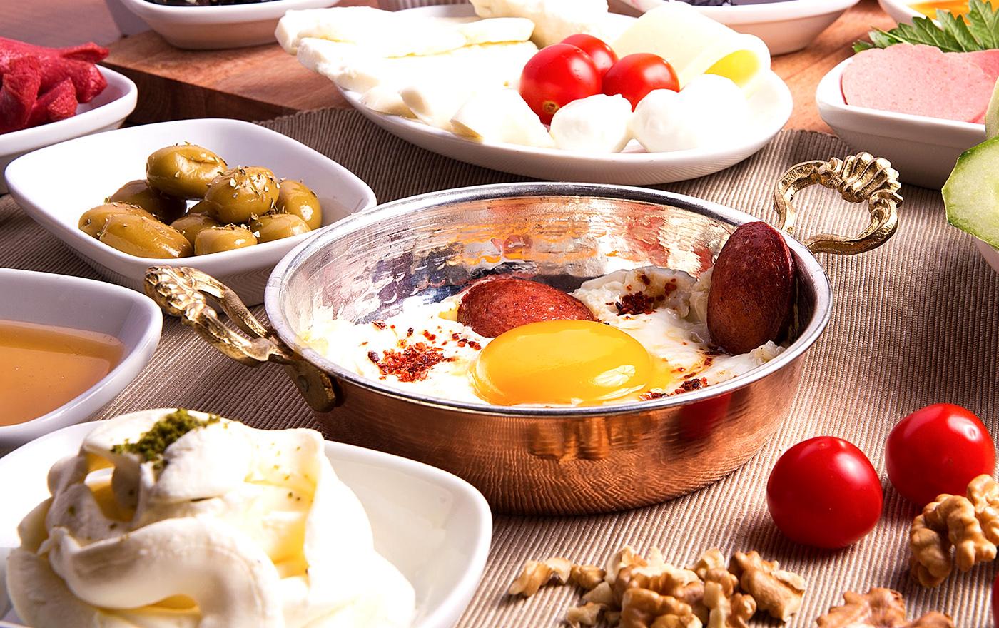 ۱۰ خوراکی انرژی زای سالم برای رفع خستگی صبح ها