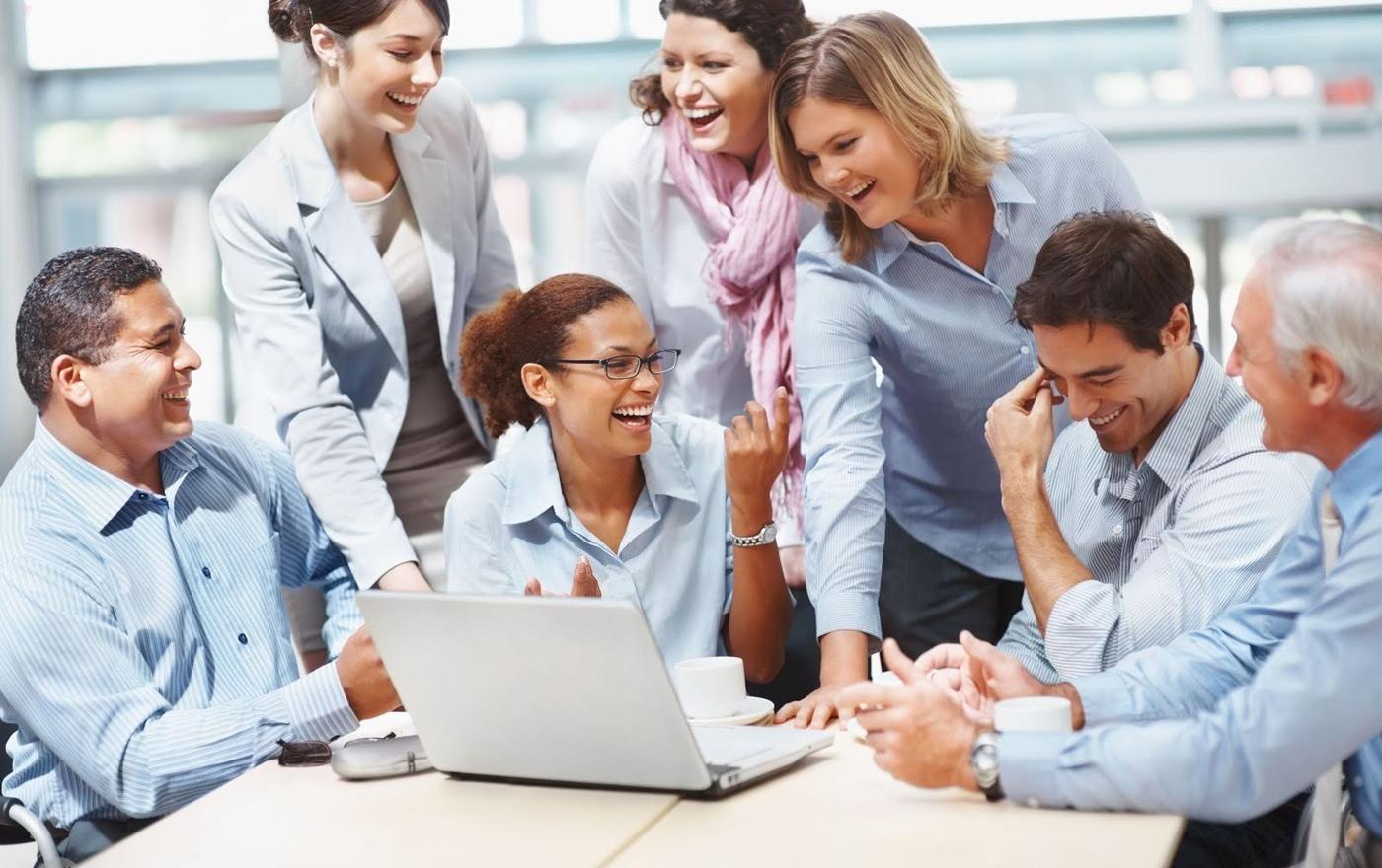 چطور محیط کار را برای کارکنان شاد و دلپذیر کنیم ؟